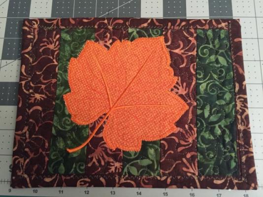 mug rug leaf 1