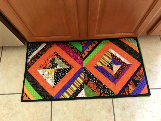 Halloween 2018 Kitchen Rug String Finished